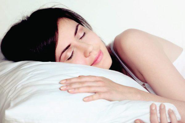 Cách giảm mỡ mặt nhờ nghỉ ngơi đầy đủ