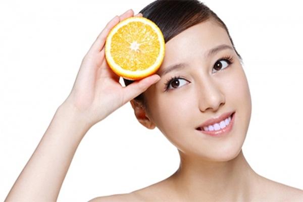Cách trị bọng mắt dưới bằng quả cam