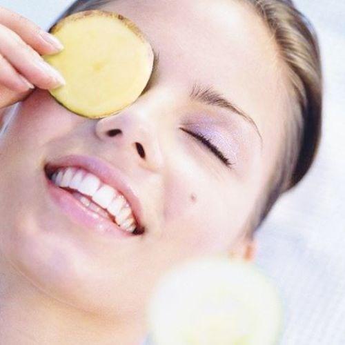 Hướng dẫn chữa trị bọng mắt dưới bằng khoai tây